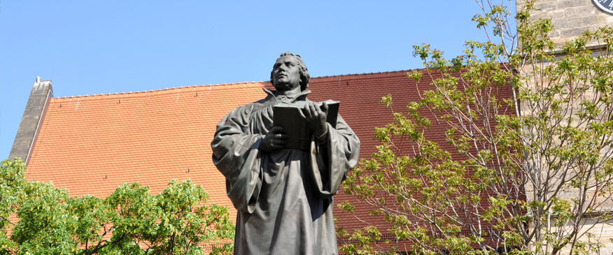 Luther memorial in front of the Merchant's Church
